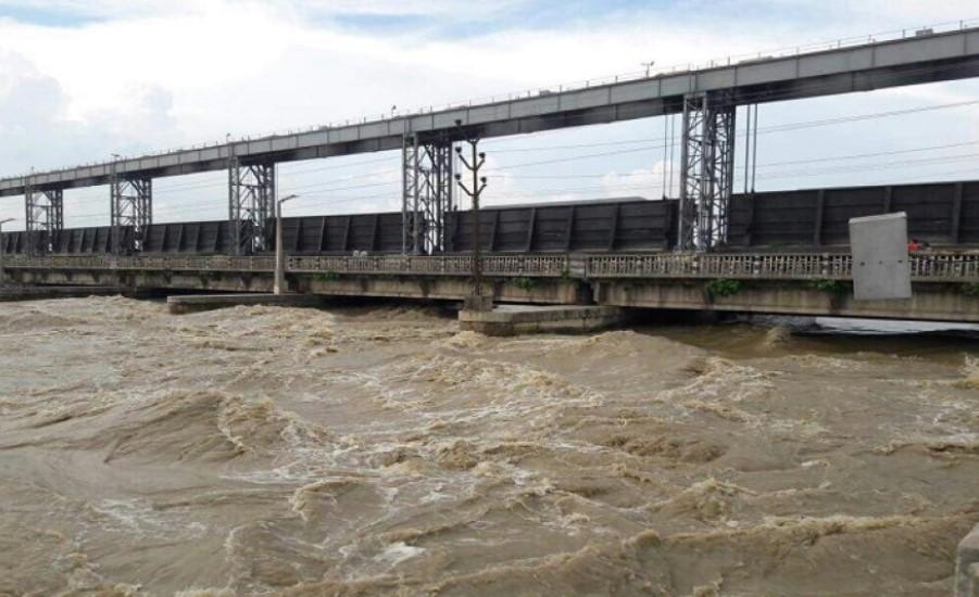 धेरै नदी तथा खोलामा बाढी, नारायणीमा चेतावनीको तह पार, गण्डक ब्यारेजका सबै ढोका खोलियो