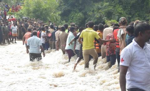 भारतको केरलामा बाढी, जनजीवन प्रभावित